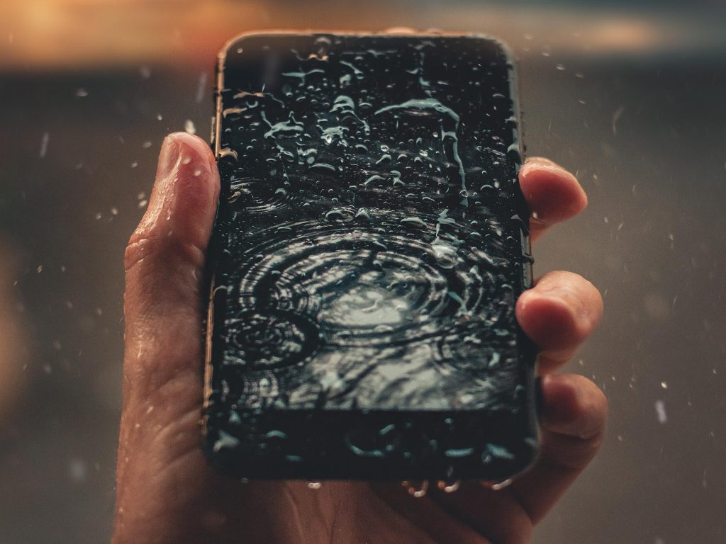 Mobile with raining water